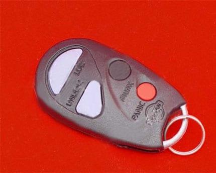 Nissan_A33_remote_key_4B