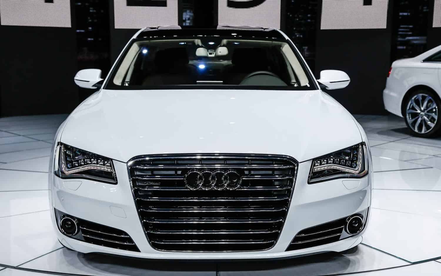 2014-Audi-A8-TDI-front-view