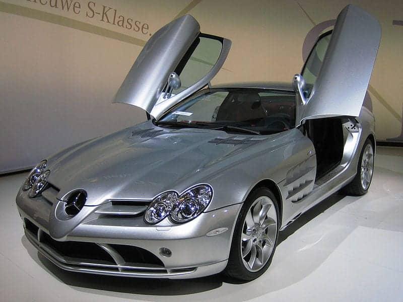 800px-Mercedes-Benz_SLR_McLaren_2_cropped