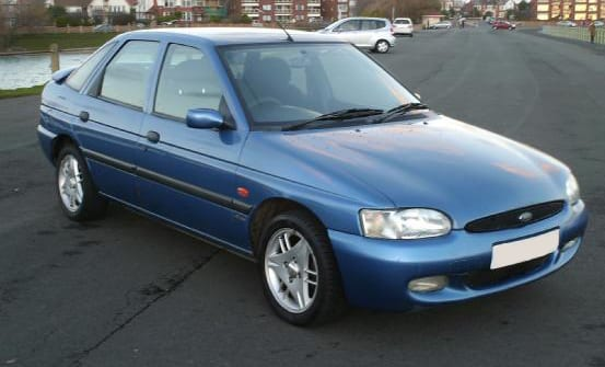 Ford-escort-1999