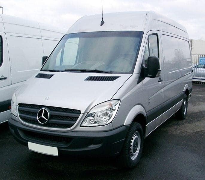 Mercedes_Sprinter2_front_20080102